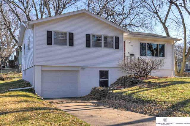 1801 N 84 Street, Omaha, NE 68114 (MLS #22028118) :: Capital City Realty Group
