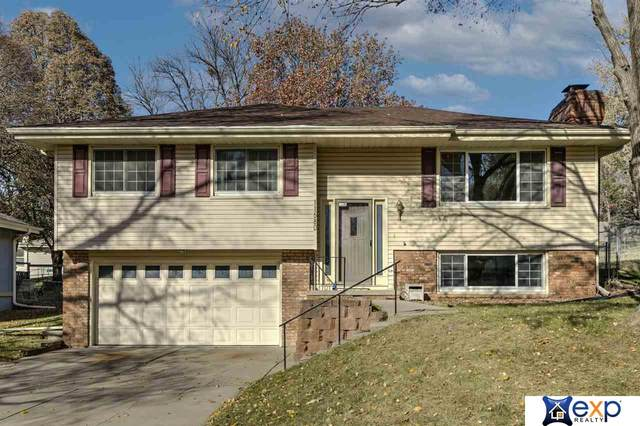 11680 Roanoke Boulevard, Omaha, NE 68164 (MLS #22028125) :: Catalyst Real Estate Group