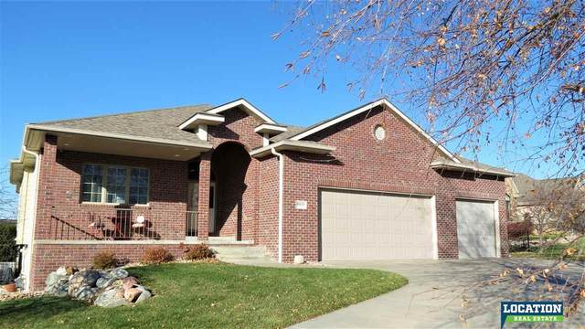 8600 Oakmont Drive, Lincoln, NE 68526 (MLS #22028440) :: One80 Group/Berkshire Hathaway HomeServices Ambassador Real Estate