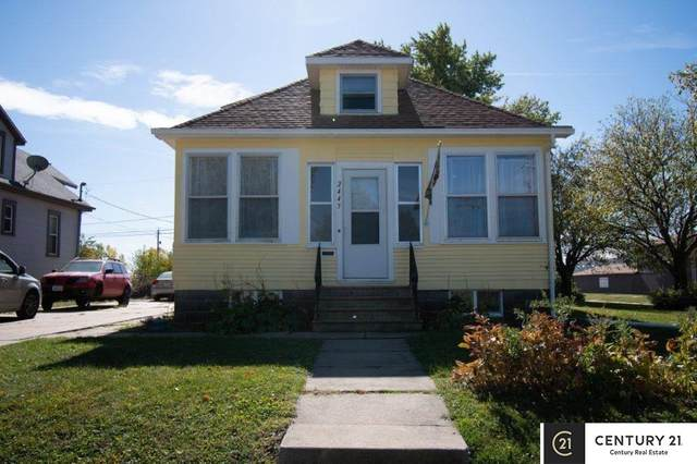 2445 8th Avenue, Council Bluffs, IA 51501 (MLS #22028627) :: Capital City Realty Group