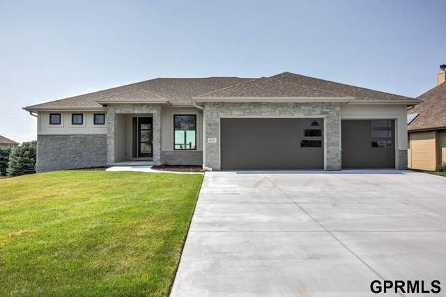 4602 N 192 Avenue Circle, Elkhorn, NE 68022 (MLS #22028775) :: kwELITE
