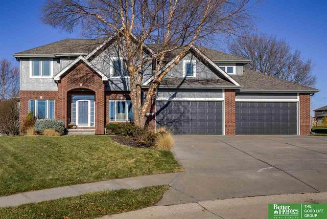 19204 Boyd Circle, Elkhorn, NE 68022 (MLS #22029021) :: One80 Group/Berkshire Hathaway HomeServices Ambassador Real Estate