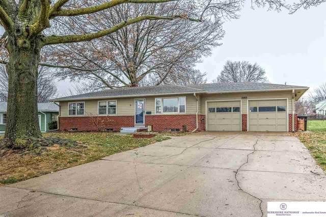 5226 A Street, Omaha, NE 68106 (MLS #22029029) :: Omaha Real Estate Group