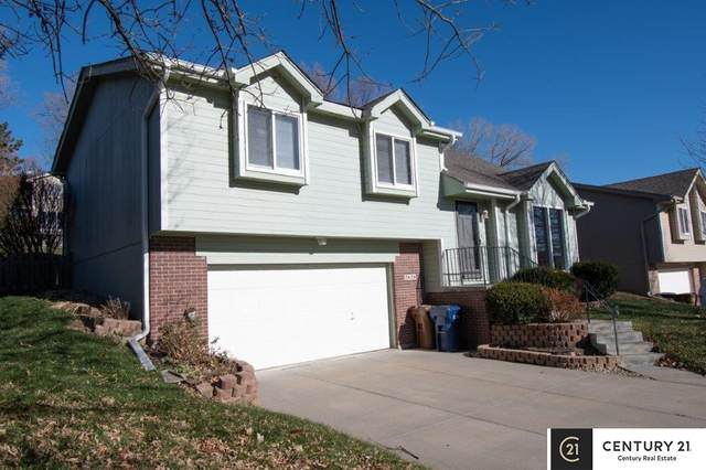 2606 Blackhawk Drive, Bellevue, NE 68123 (MLS #22029117) :: Omaha Real Estate Group