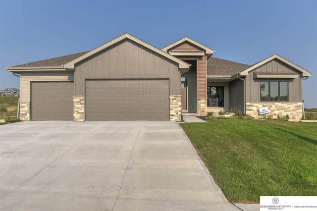 10308 S 103rd Street, Papillion, NE 68046 (MLS #22029128) :: Omaha Real Estate Group