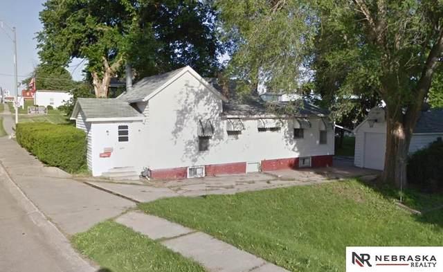 929 Main Street, Seward, NE 68434 (MLS #22029177) :: kwELITE