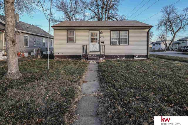 1700 Avenue G Avenue, Council Bluffs, IA 51501 (MLS #22029333) :: Cindy Andrew Group