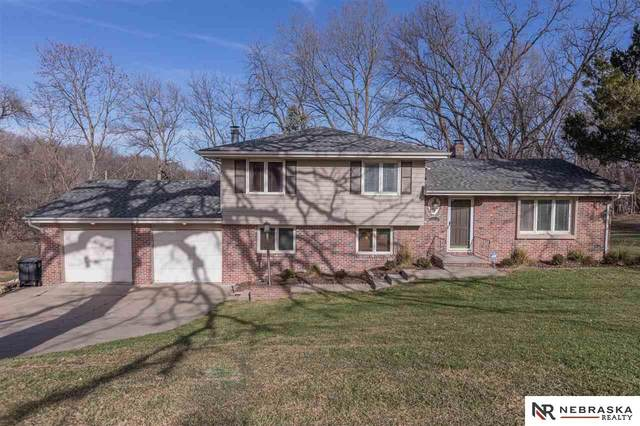 9334 Spring Street, Omaha, NE 68124 (MLS #22029355) :: Omaha Real Estate Group
