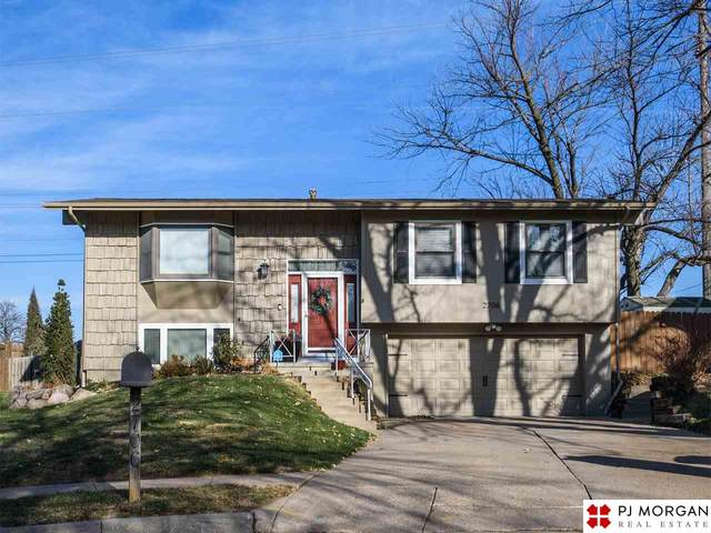 2706 S 116th Avenue Circle, Omaha, NE 68144 (MLS #22029424) :: The Homefront Team at Nebraska Realty