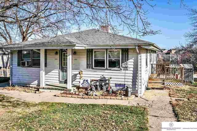 211 N Stark Street, Bennington, NE 68007 (MLS #22029431) :: The Homefront Team at Nebraska Realty
