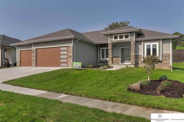 1002 Elk Ridge Drive, Omaha, NE 68022 (MLS #22029455) :: The Homefront Team at Nebraska Realty