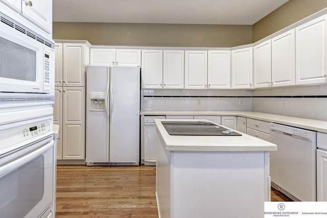 2607 N 161 Terrace, Omaha, NE 68118 (MLS #22029480) :: Complete Real Estate Group