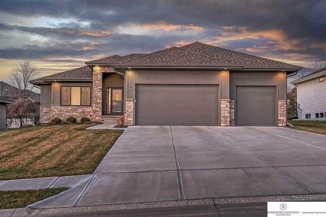 19266 Ruggles Circle, Elkhorn, NE 68022 (MLS #22029484) :: Omaha Real Estate Group