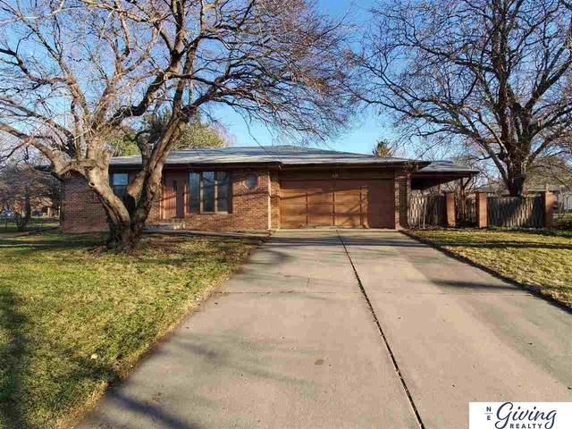 430 Haverford Drive, Lincoln, NE 68510 (MLS #22029535) :: The Homefront Team at Nebraska Realty