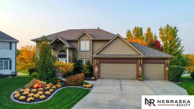 6624 N 157 Circle, Omaha, NE 68116 (MLS #22029556) :: The Homefront Team at Nebraska Realty