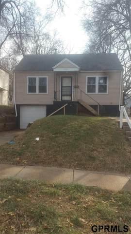 3863 Seward Street, Omaha, NE 68111 (MLS #22029955) :: Berkshire Hathaway Ambassador Real Estate