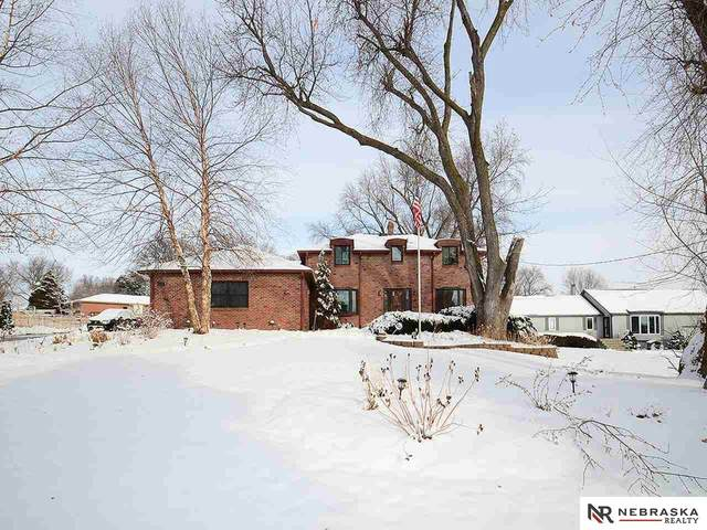 7028 Girard Street, Omaha, NE 68152 (MLS #22030138) :: One80 Group/Berkshire Hathaway HomeServices Ambassador Real Estate