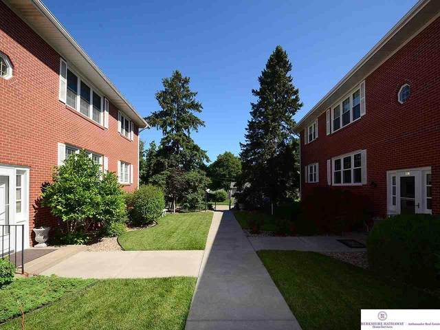 9107 Arbor Street #6, Omaha, NE 68124 (MLS #22030157) :: Lincoln Select Real Estate Group