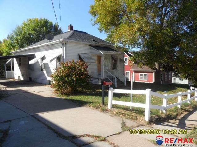 217 10th Avenue, Council Bluffs, IA 51503 (MLS #22030173) :: kwELITE
