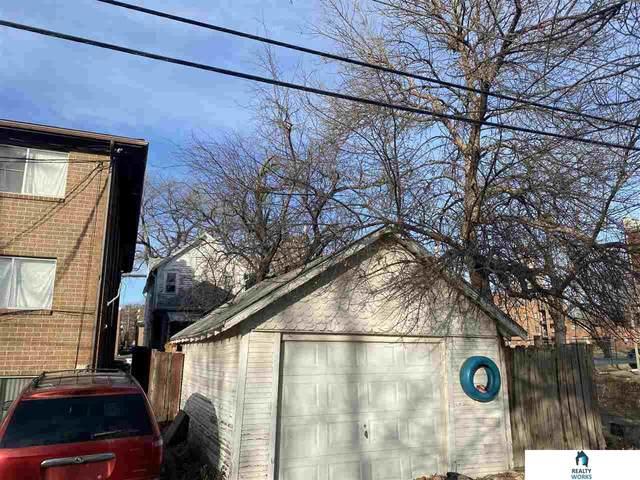 1127 F Street, Lincoln, NE 68508 (MLS #22030424) :: kwELITE