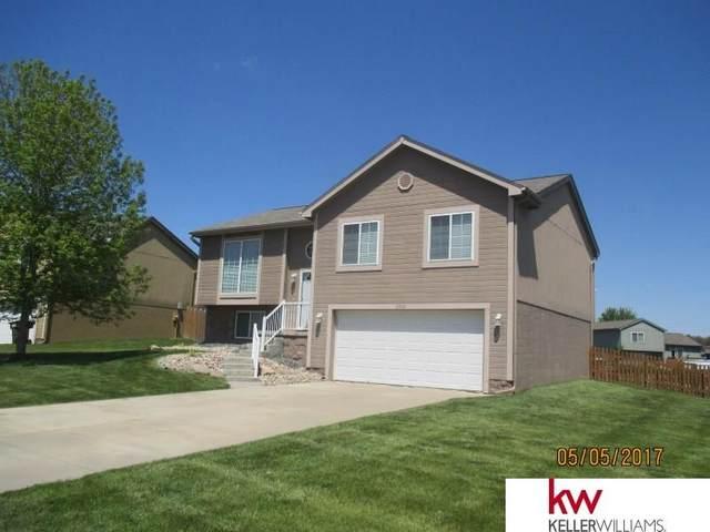 2904 Parkside Drive, Bellevue, NE 68123 (MLS #22030721) :: kwELITE