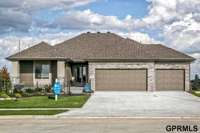 4218 Barksdale Circle, Bellevue, NE 68123 (MLS #22030913) :: The Briley Team