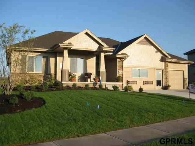 6726 S 198 Street, Omaha, NE 68135 (MLS #22030918) :: Lincoln Select Real Estate Group