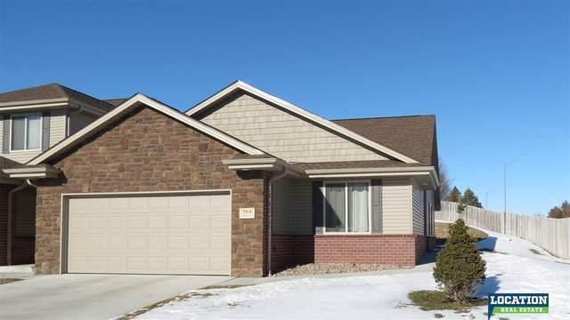 3916 Pablo Lane, Lincoln, NE 68516 (MLS #22030958) :: Omaha Real Estate Group
