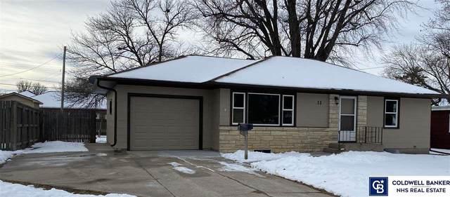 11 Fairview Drive Drive, York, NE 68467 (MLS #22031035) :: The Homefront Team at Nebraska Realty