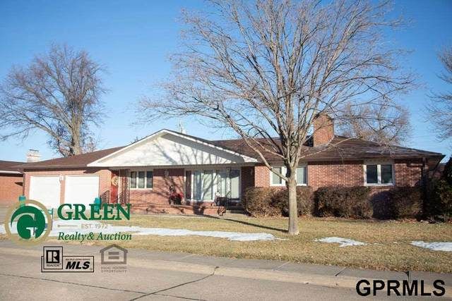 313 Regency Drive, York, NE 68467 (MLS #22100168) :: kwELITE