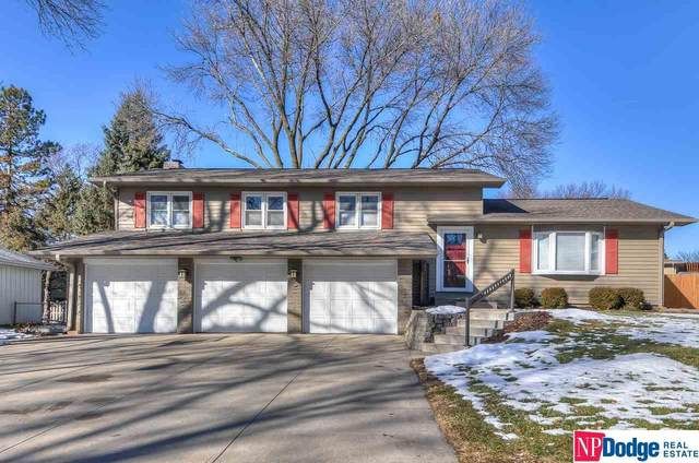 1820 Holling Drive, Omaha, NE 68144 (MLS #22100309) :: Cindy Andrew Group