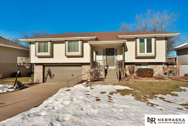 3730 Falcon Drive, Bellevue, NE 68123 (MLS #22100359) :: The Briley Team