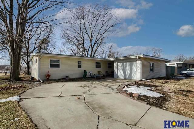 521 Eastborough Lane, Lincoln, NE 68505 (MLS #22100388) :: Omaha Real Estate Group