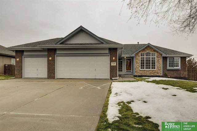 2105 Aberdeen Drive, Papillion, NE 68133 (MLS #22100408) :: The Homefront Team at Nebraska Realty