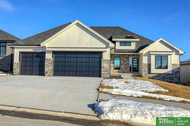 2615 N 186th Street, Elkhorn, NE 68022 (MLS #22100420) :: The Briley Team