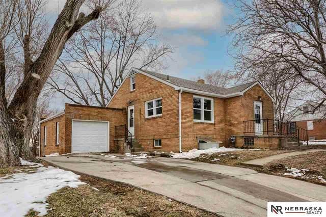2112 S 42nd Street, Omaha, NE 68105 (MLS #22100512) :: Lincoln Select Real Estate Group