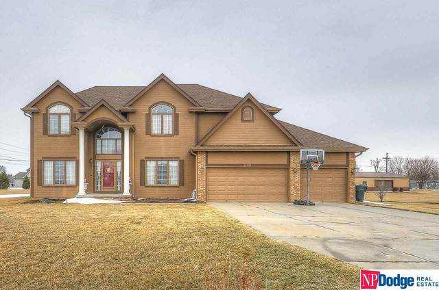 11560 Crest Ridge Circle, Blair, NE 68008 (MLS #22100545) :: The Homefront Team at Nebraska Realty