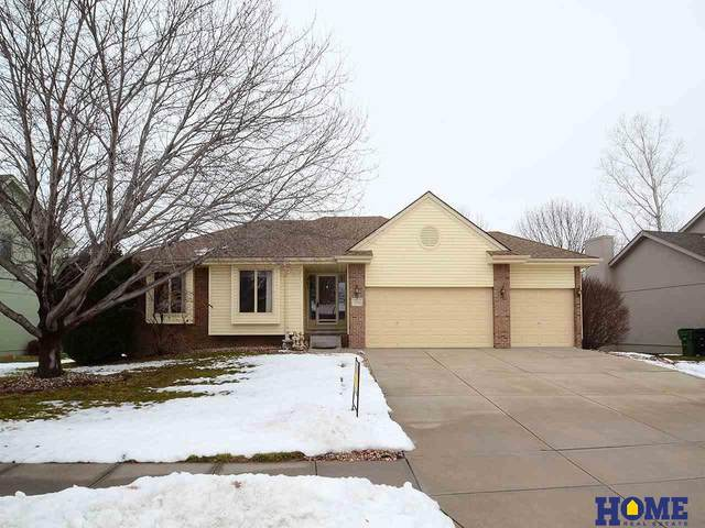 2114 John Street, Papillion, NE 68133 (MLS #22100586) :: Cindy Andrew Group