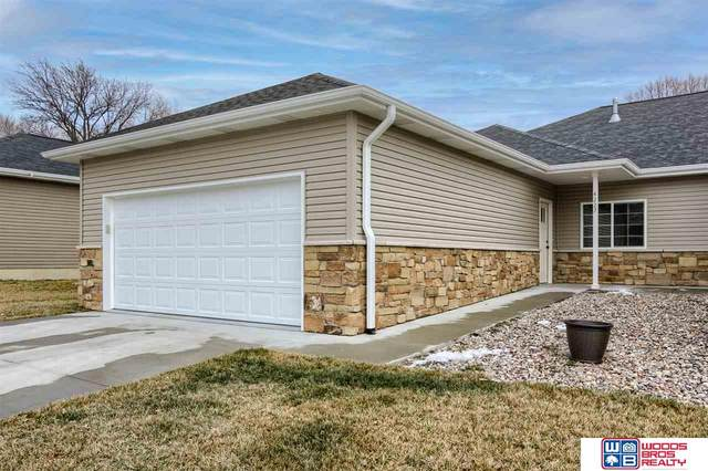 4227 S 40th Street, Lincoln, NE 68506 (MLS #22100592) :: One80 Group/Berkshire Hathaway HomeServices Ambassador Real Estate