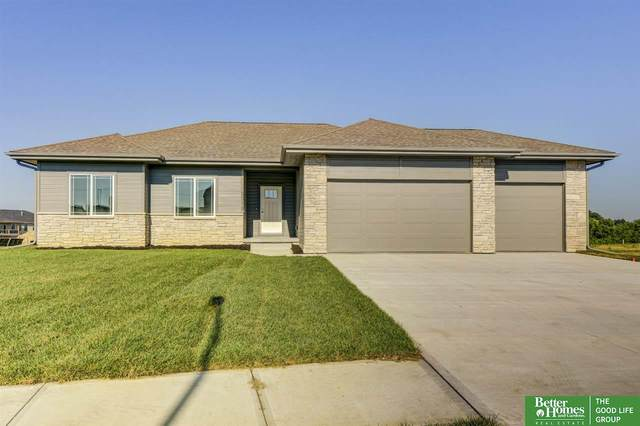 19253 Ruggles Circle, Omaha, NE 68022 (MLS #22100634) :: Stuart & Associates Real Estate Group