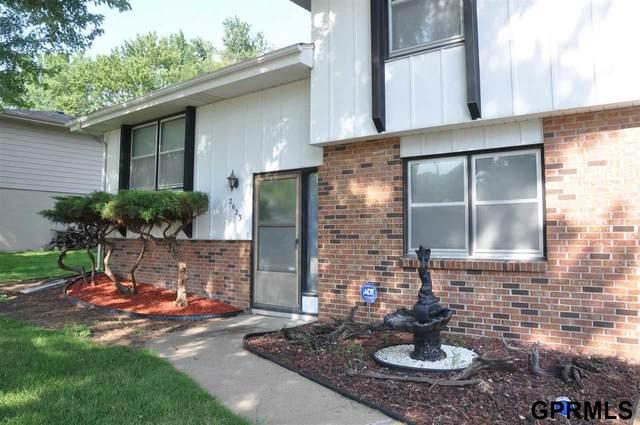 2623 N 98 Street, Omaha, NE 68134 (MLS #22100645) :: The Homefront Team at Nebraska Realty