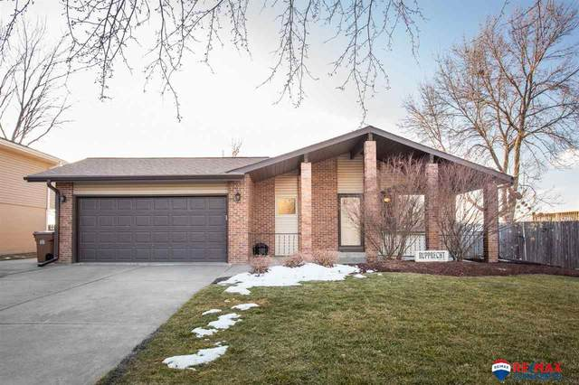5609 Stonecliffe Court, Lincoln, NE 68516 (MLS #22100651) :: One80 Group/Berkshire Hathaway HomeServices Ambassador Real Estate