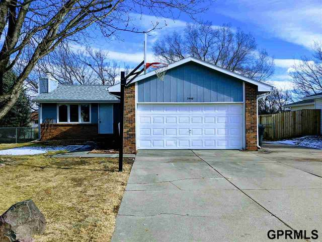 2440 SW 18th Street, Lincoln, NE 68522 (MLS #22100693) :: Lincoln Select Real Estate Group
