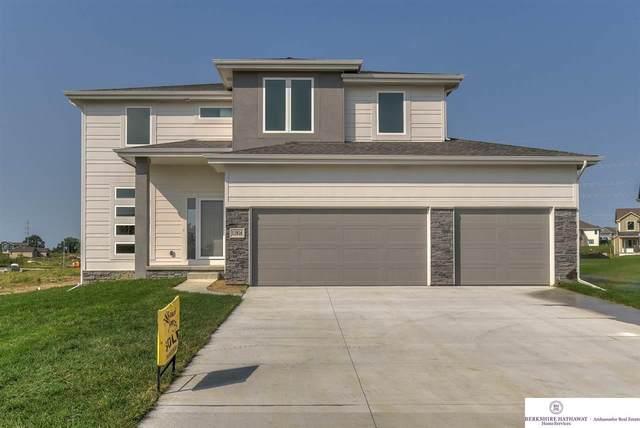 6976 N 171 Terrace, Bennington, NE 68007 (MLS #22100712) :: kwELITE
