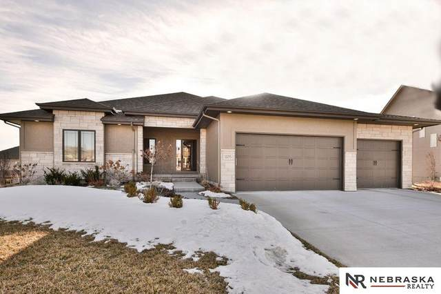 12215 Freeboard Drive, Papillion, NE 68046 (MLS #22100825) :: Dodge County Realty Group