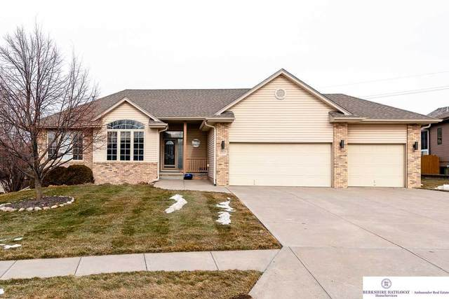 17812 Pinehurst Avenue, Omaha, NE 68136 (MLS #22100889) :: Stuart & Associates Real Estate Group