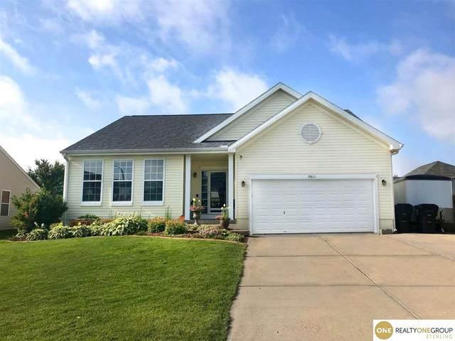 19821 Acorn Drive, Gretna, NE 68028 (MLS #22101053) :: Catalyst Real Estate Group