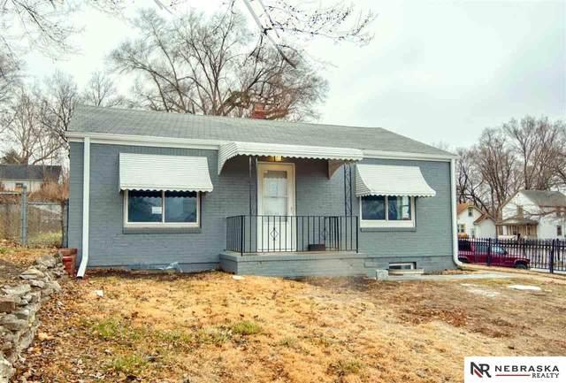 4507 N 41st Street, Omaha, NE 68111 (MLS #22101088) :: One80 Group/KW Elite