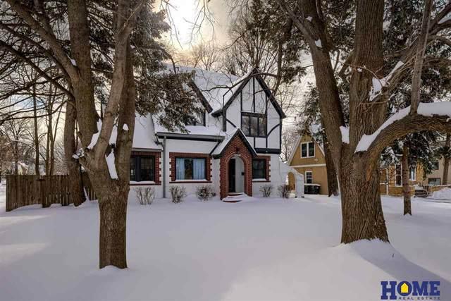 4035 Holdrege Street, Lincoln, NE 68503 (MLS #22101093) :: Stuart & Associates Real Estate Group
