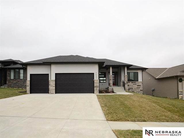 7633 Himalayas Drive, Lincoln, NE 68516 (MLS #22101098) :: Stuart & Associates Real Estate Group